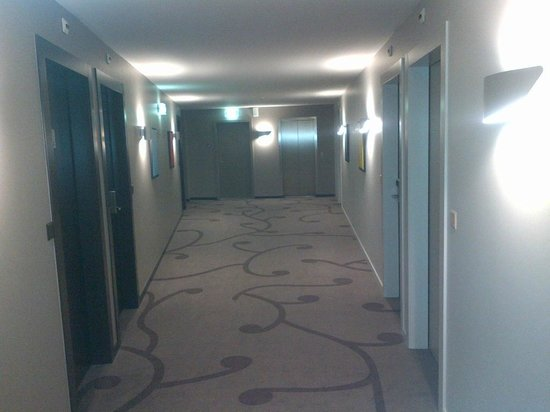 Starling Hotel Lausanne : Couloir