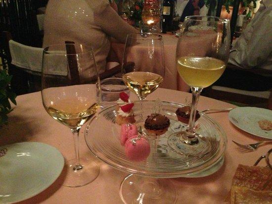 Il San Pietro di Positano: San Pietro Desert Profiteroles & Wine
