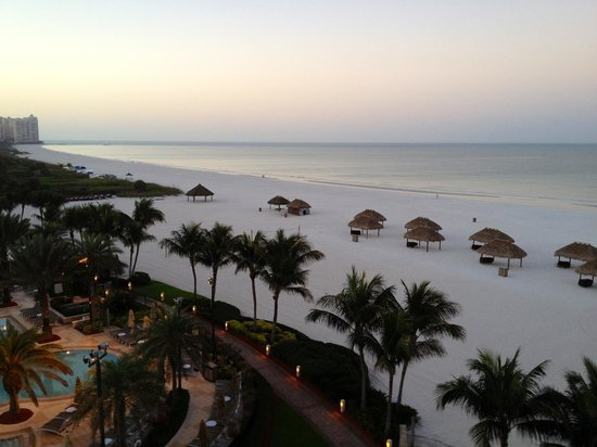 Marco Island Marriott Beach Resort, Golf Club & Spa: View from room balcony