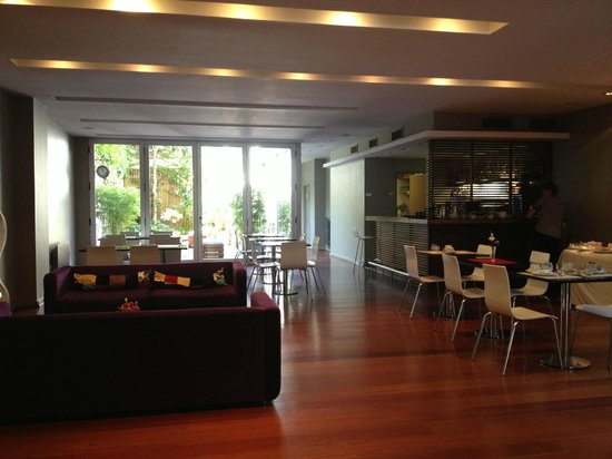 Didi Soho Hotel: Breakfast area