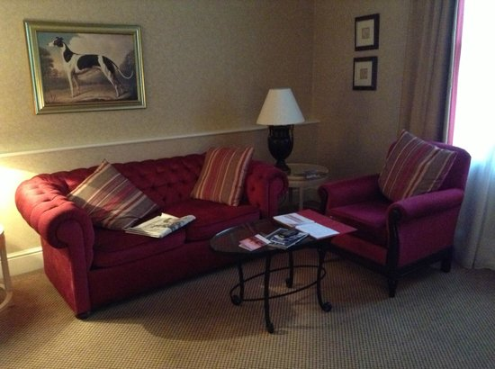 Millennium Bailey's Hotel London Kensington: Club room sirtting area