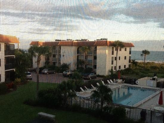 Sandalfoot Condominium : Sunset over Sandalfoot
