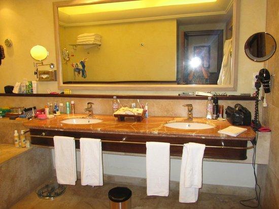 Vincci Selección La Plantación del Sur:                   Our bathroom