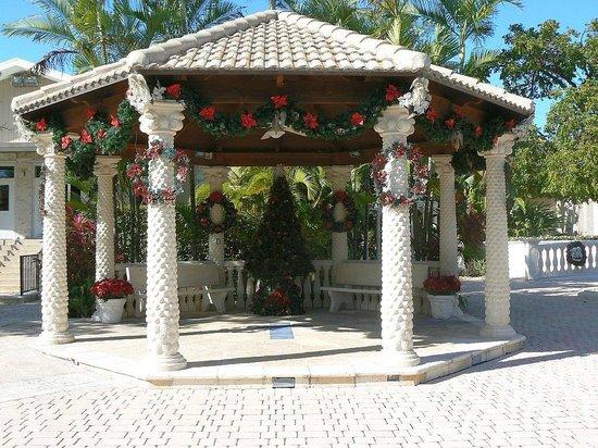 San Pablo Catholic Church: Decorated for Christmas