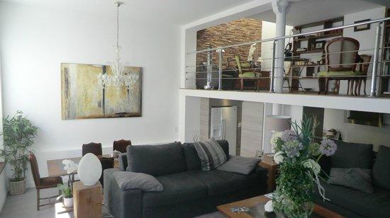 La Maison de Claire: Living area