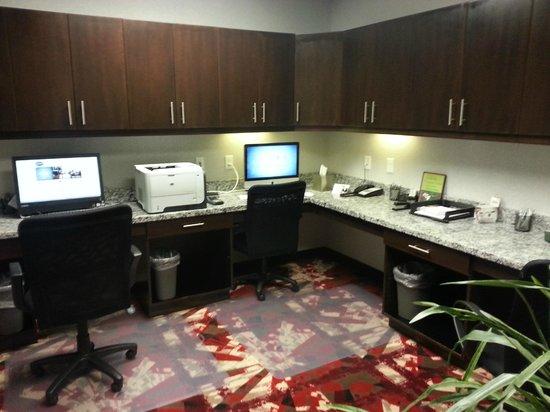 Hampton Inn & Suites Salt Lake City/University-Foothill Dr.:                   Business center