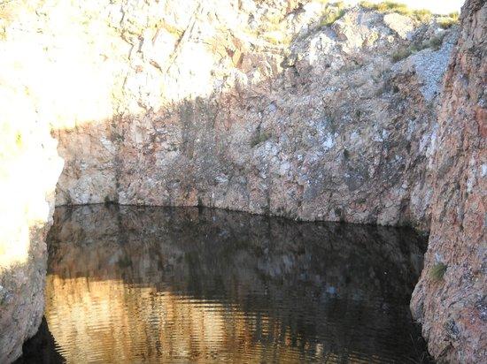 Cordoba, Argentina: Olla de agua en el camino a Los Gigantes