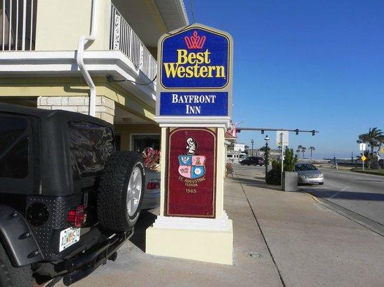 بست ويسترن باي فرنت إن: Best Western Bayfron Inn 