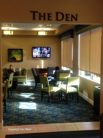 Rosen Inn International: The Den, as i mentioned in my review