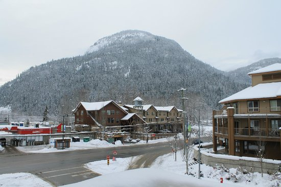 Pemberton Gateway Village Suites Hotel : View from the balcony