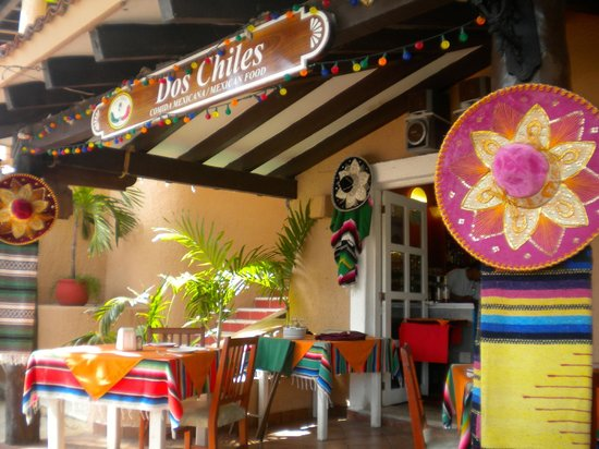 Dos Chíles: Restaurant Decor