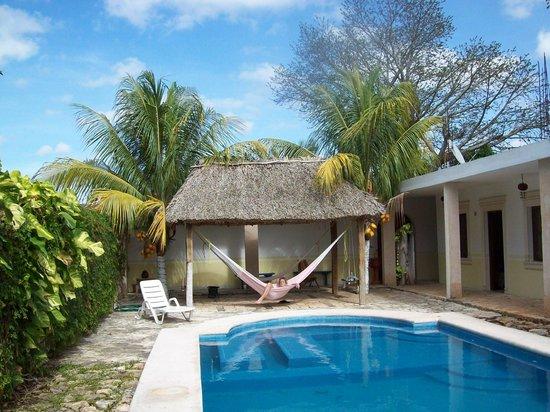Hotel Tunich Beh: coin piscine et hamac