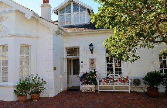 Blackheath Lodge : Front of the Inn