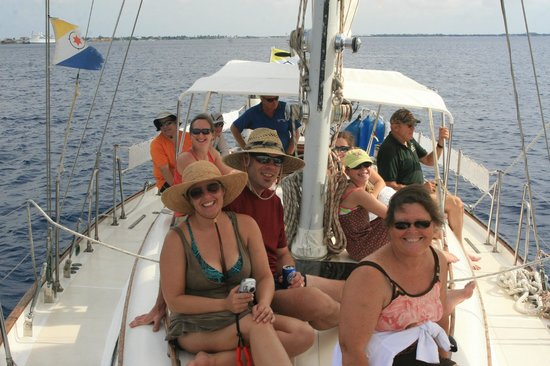 Compass Sailing : Enjoying an afternoon aboard the Compass