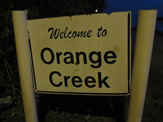 Orange Creek Inn: The sign welcoming you to Orange Creek