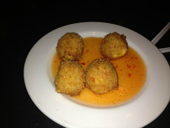 The Weathervane Restaurant: Fried Pimento Cheese with Peggy Rose's Hot Pepper Jelly