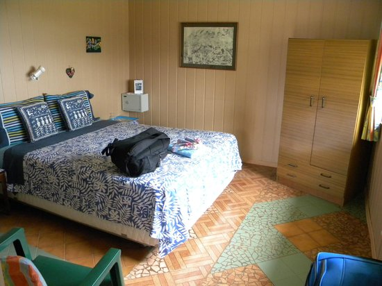 Tadeo & Lili Guest House: Modest but clean and comfortable