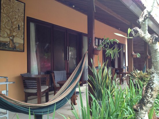 Wayan's Guest House: patio