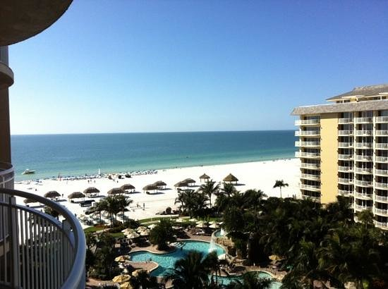 Marco Island Marriott Beach Resort, Golf Club & Spa: A gorgeous view from the 9th floor!