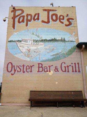 Papa Joe's Oyster Bar & Grill : Sign