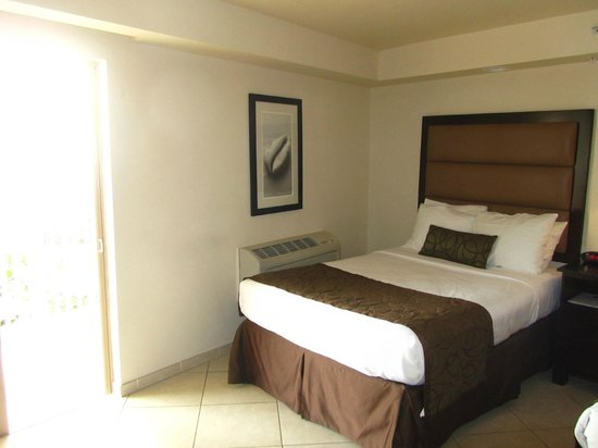 BEST WESTERN PLUS Beach Resort: Some decor