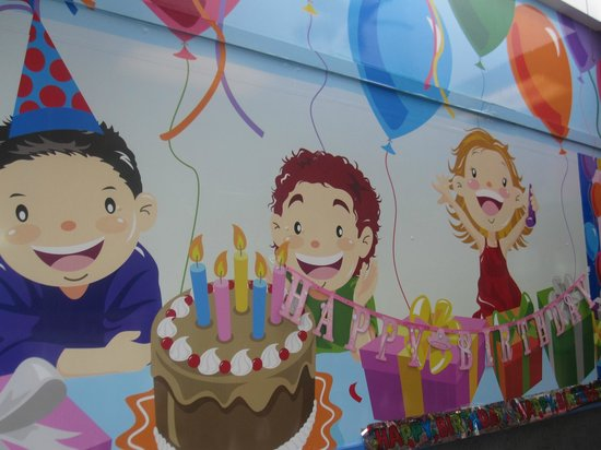McDonald's: A picture in the birthday room