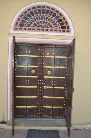 Narain Niwas Palace: Room entrance