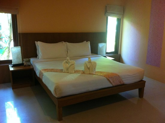 Sunda Resort: bed