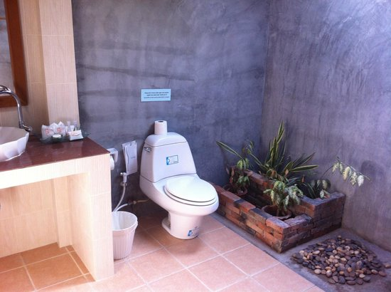 Sunda Resort: bathroom