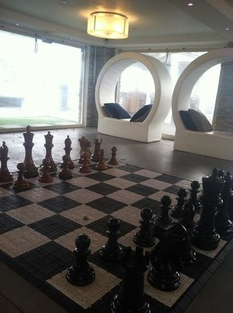 Forty 1⁰ North: chess at large