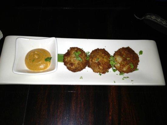 Manhattan Restaurant+Bar: Crab cakes