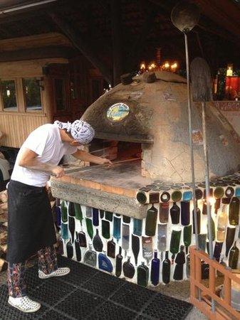 El Wagon:                   Pizza almost ready!