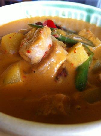 Warung Rakuen Asia: Yellow Curry