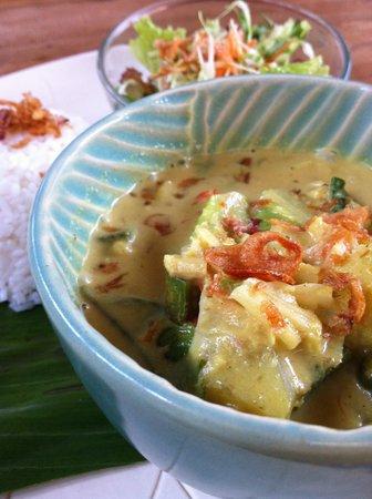 Warung Rakuen Asia: Yellow Curry Vegetable