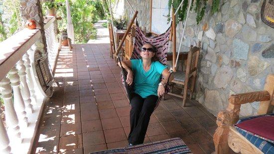La Casa del Mundo Hotel: Hammock chair