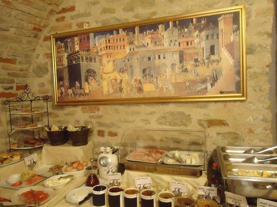 Hotel Castello di Sinio: i love brick walls