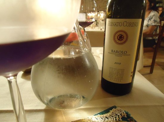 Hotel Castello di Sinio: a Barolo with dinner