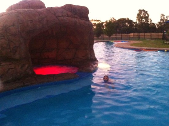 Tindarra Resort: The spa all lit up