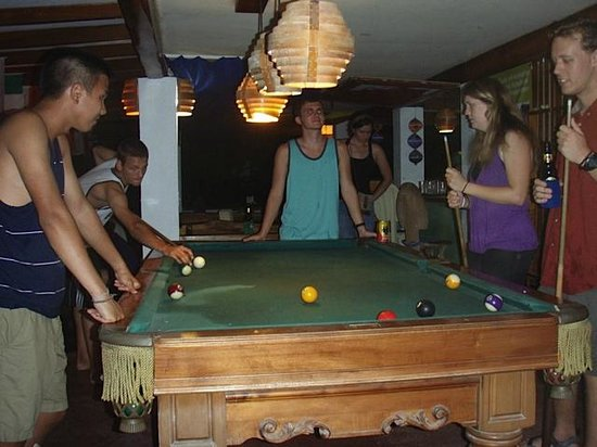 Pelican Hotel: Billiards in the Bar