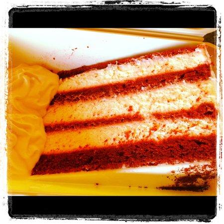 Ciccio Italian Cafe: Red velvet cake