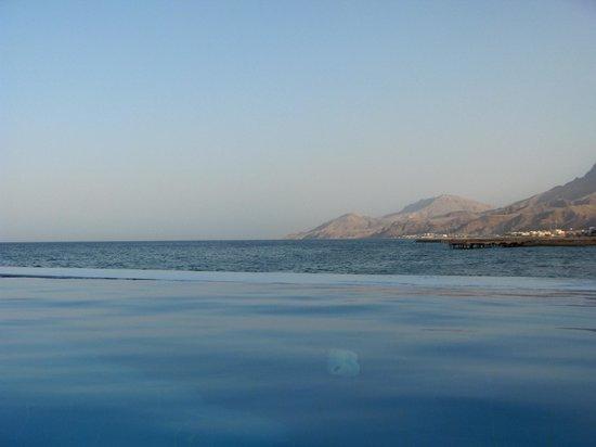 Movenpick Resort El Sokhna: Pool with sea view