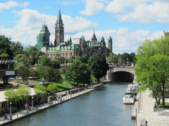 Capital Hill Hotel Ottawa Parking