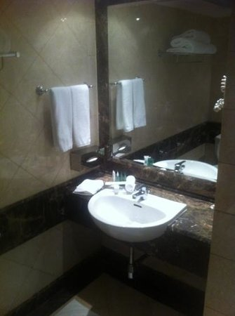 Makkah Millennium Towers : sink