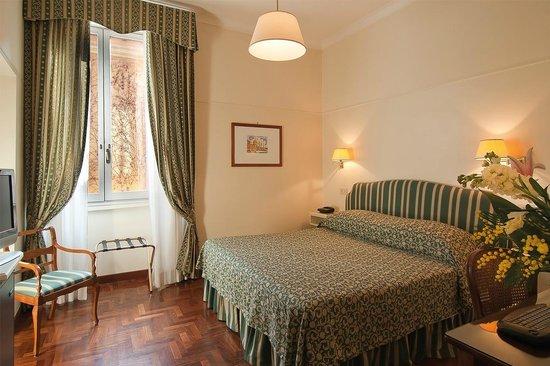 Hotel Fontanella Borghese: camera