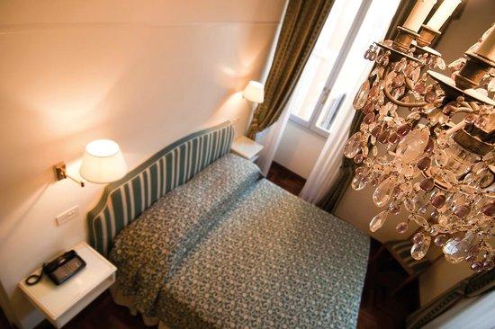 Hotel Fontanella Borghese : camera