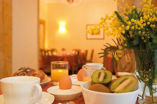 Hotel Fontanella Borghese: sala colazione