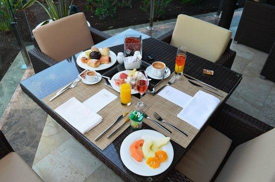 RedLevel at Gran Melia Palacio de Isora: Frühstück