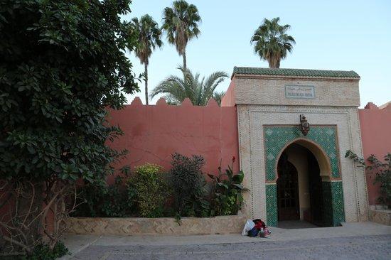 Riad Hida : Hotel entrance.