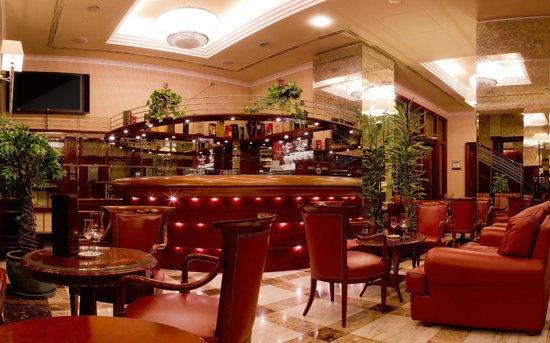 Best Western Premier Hotel Astoria: Bar