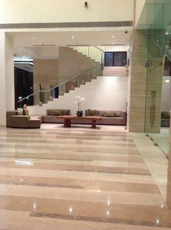 Hilton Garden Inn Gurgaon Baani Square India: Lobby